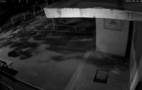 Уличная камера 1920×1080 ночь